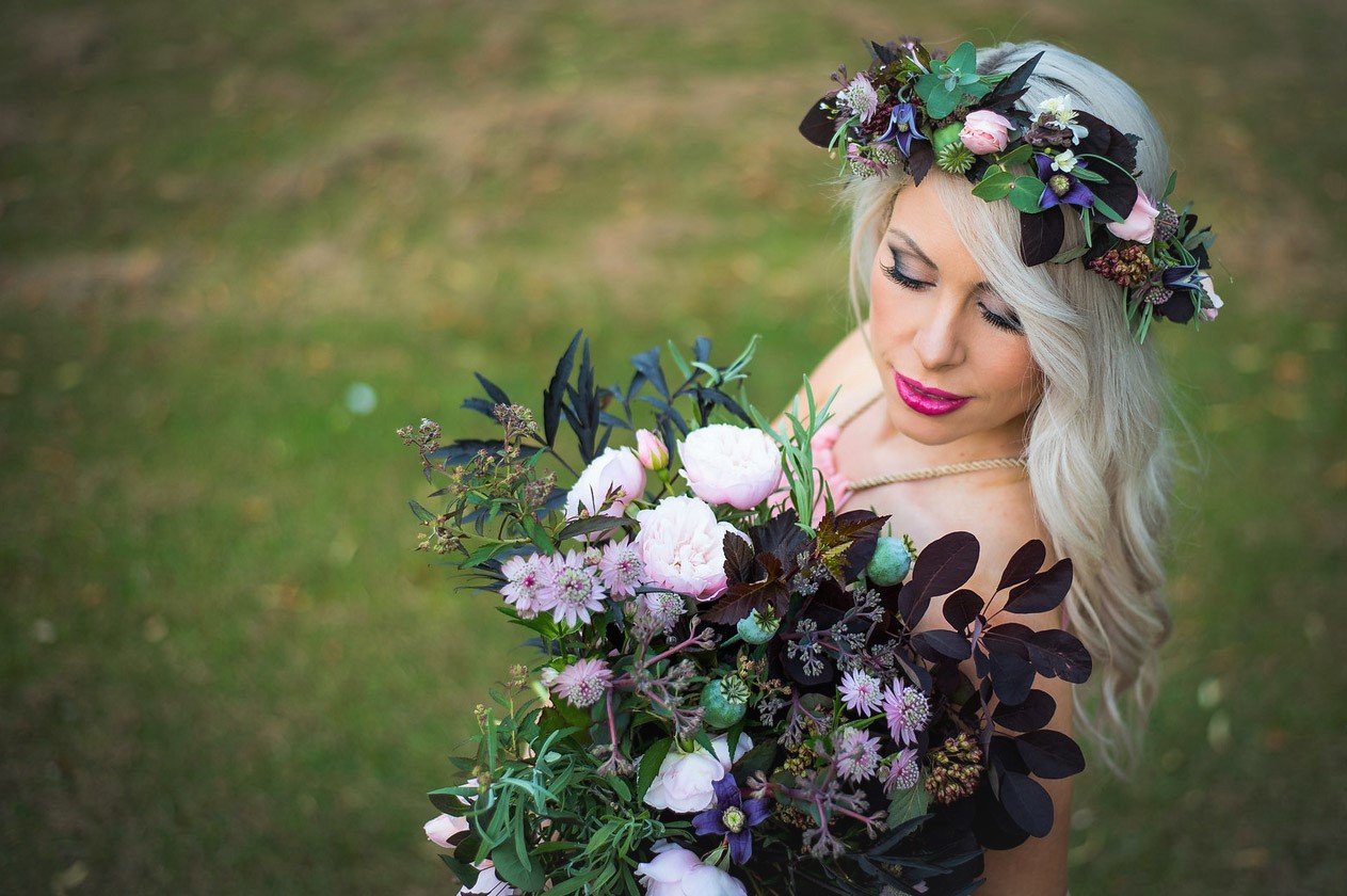 Blog cotswold posy patch wedding flowers are an important part of a wedding but can seem extortionately expensive beautiful florals are a time honoured part of a couples big day izmirmasajfo